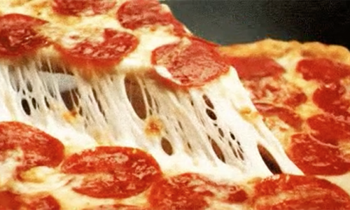 17 GIFs of Cheesy Pizza That Will Get You Drooling